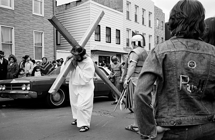 Jesus carrying his cross, 21st Street, Brooklyn, 1974