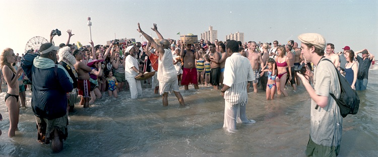 Beginning of the water ritual, 2002