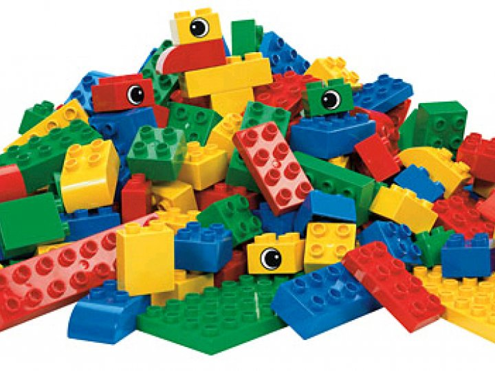 Build with LEGO and DUPLO | Brooklyn Public Library