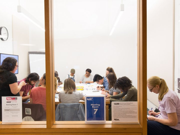 A Skillshare class in Meeting Room 7 of the Info Commons
