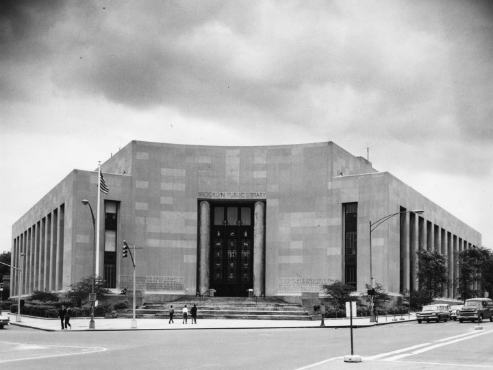 A black & white photograph of Central Library.