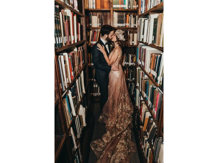 Kiss in the Stacks