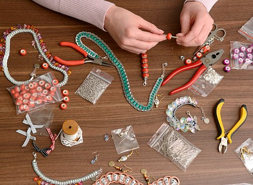 DIY Teens- Beaded Name Bracelets