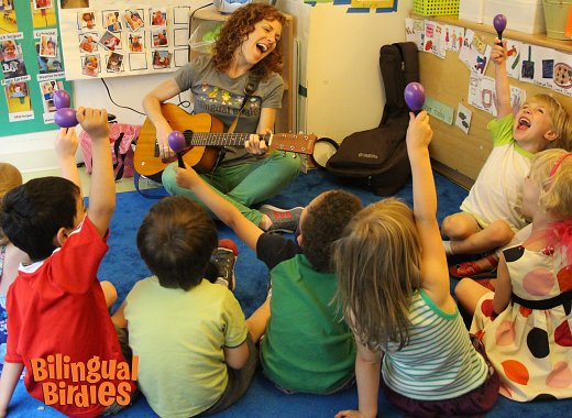 Stomp, Clap & Sing with Bilingual Birdies