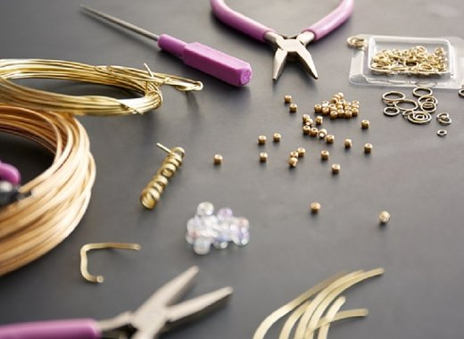 Summer Reading: Jewelry Making