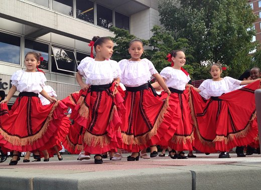 Summer Reading Kickoff: Mexican Folk Traditional with Calpulli Youth Dance!